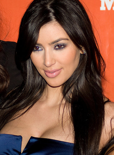 kim kardashian no makeup 2010. kourtney kardashian no makeup.